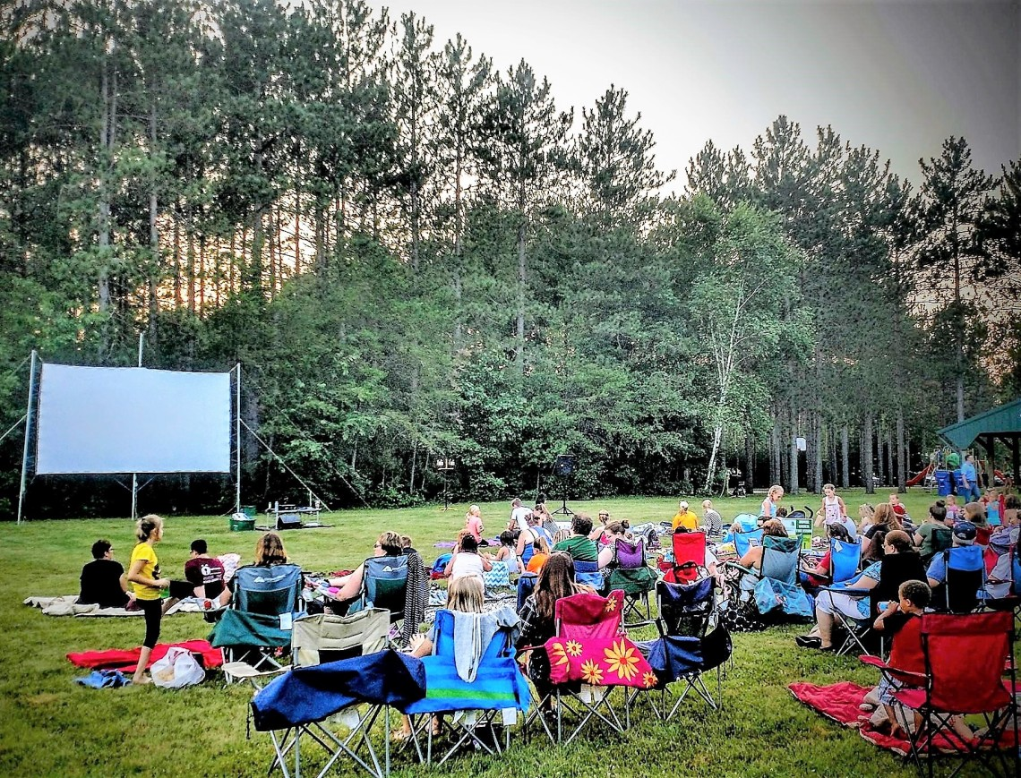 Outdoor_Movie_in_Kronenwetter