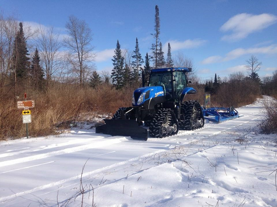 Snowmobile-Trail-grooming