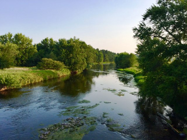 Eau_Claire_River_view
