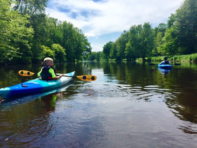 Kayaking_on_the_Eau_Claire_River