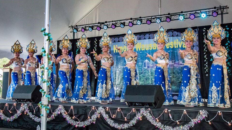 Hmong_Wausau_Festival_Dancers