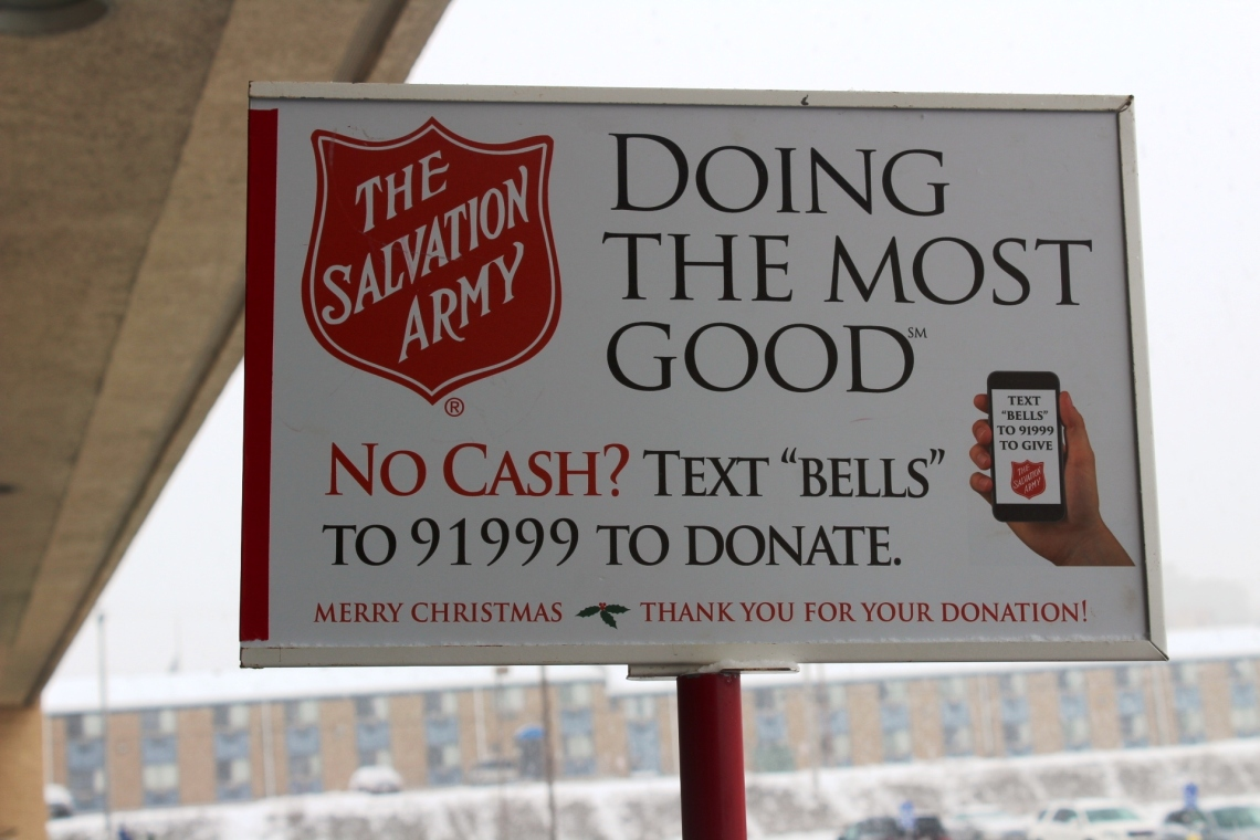 Salvation_Army_Text_to_Donate_sign