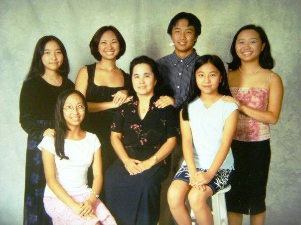 Ka_Lo-with-siblings